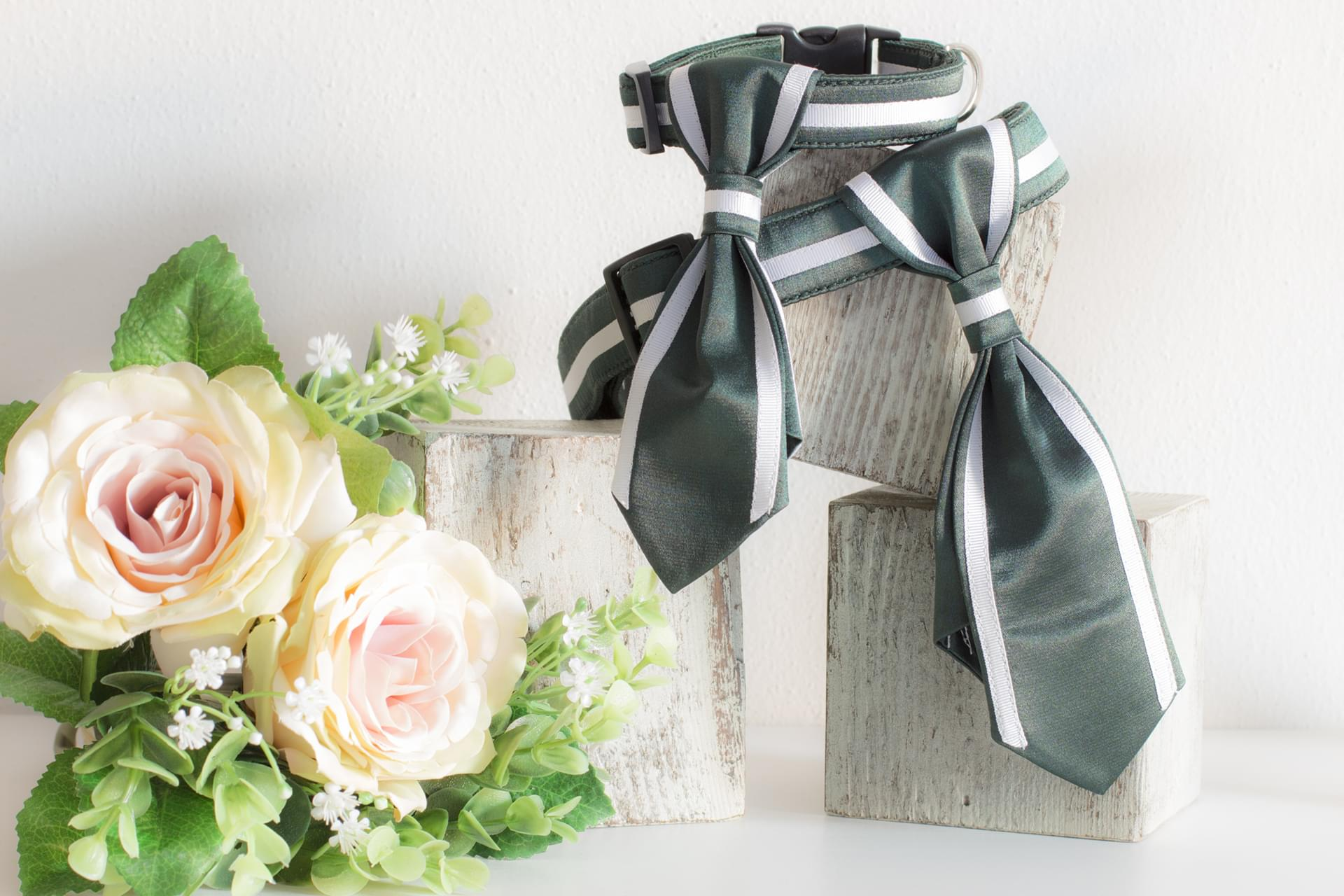 How to combine green and white, the colors chosen by Melody for her wedding? Taking advantage of the preference for the tie, we managed, with two stripes that highlight the edges, to combine the two colors, revisiting the classic style with a touch of freshness.