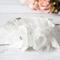... with romantic white Chantilly lace